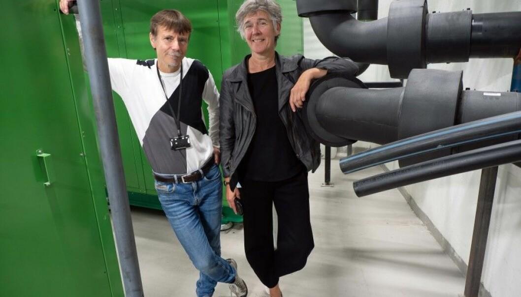 SENTRAL: Energisentralen som Ernst Olsen og Gerd Seehuus har tatt plass i, er Stavanger kommunes bidrag i EU-prosjektet Triangulum.