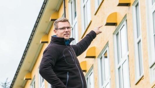 – Rimeligst og praktisk gjennomførbar, sier Philipp Kessler-Myking om den desentrale ventilasjonen som har inntak og avkast rett ut fra hvert klasserom.