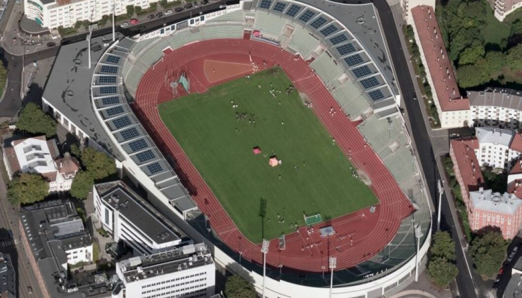 Bislett stadion er først i Norge med lagring av solenergi på brukte bilbatteri.