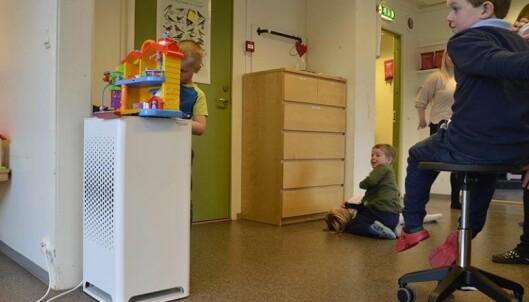 Luftrenserne gir barna friskere luft og et sted de kan plassere leker.