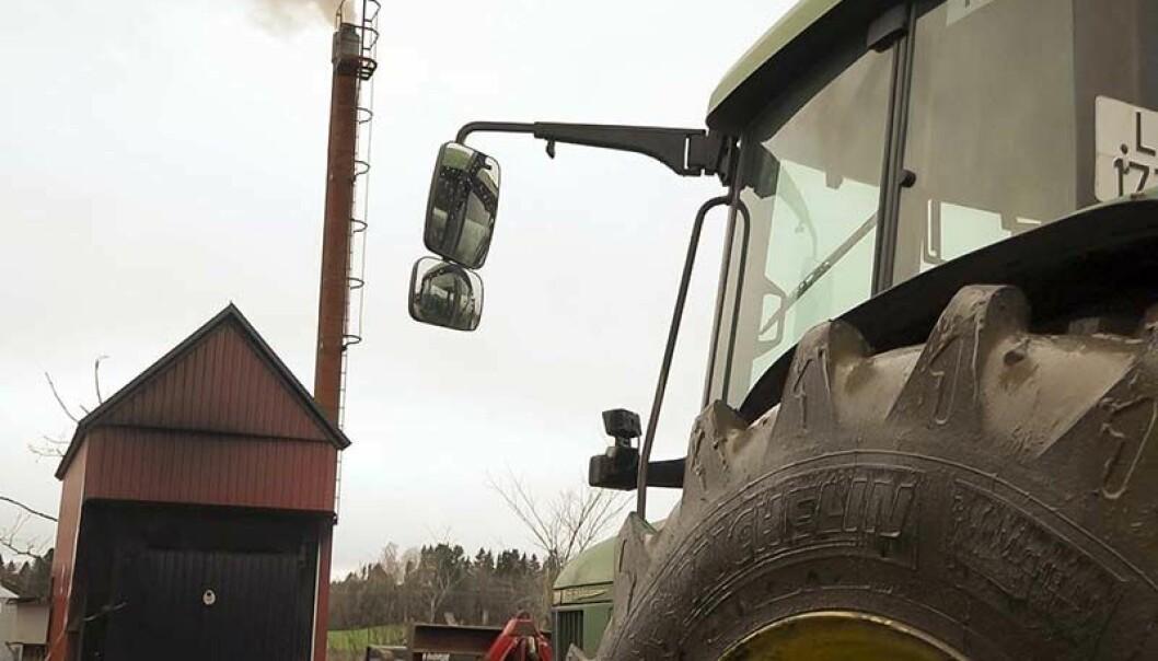 EGENPRODUSERT: Norske gårder har gjerne mye å fyre med.