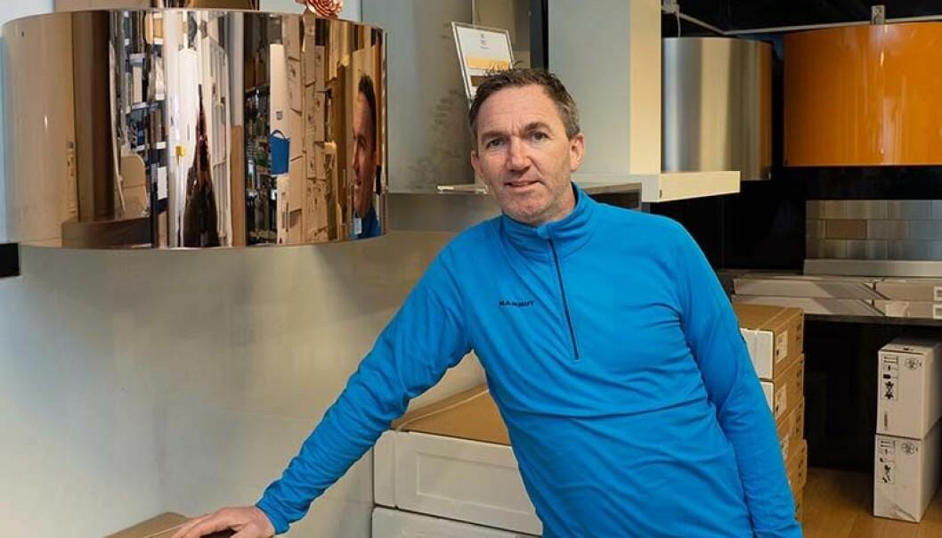 BUTIKK OG NETT: Jørn Ivar Liseth og kollegene driver tak- og ventilasjonsbutikk både fysisk og på nett.