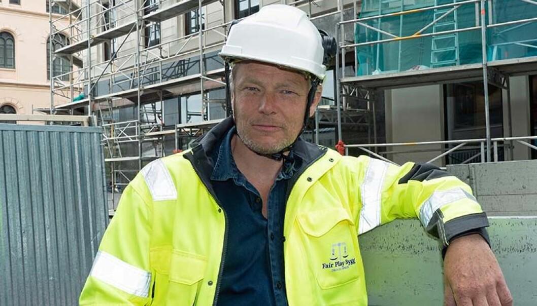 HVITSNIPP: Lars Mamen opplever at regnskapsførere og advokater hjelper kriminelle i byggenæringen med å hvitvaske aktivitetene sine. (Illustrasjonsfoto – byggeplassen på bakgrunnen er tilfeldig valgt)