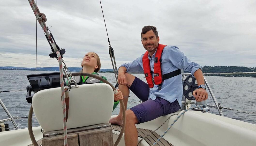 BÅTLIV: Bjørn-Osvald Skandsen tilbringer gjerne sommeren om bord. FOTO: PRIVAT