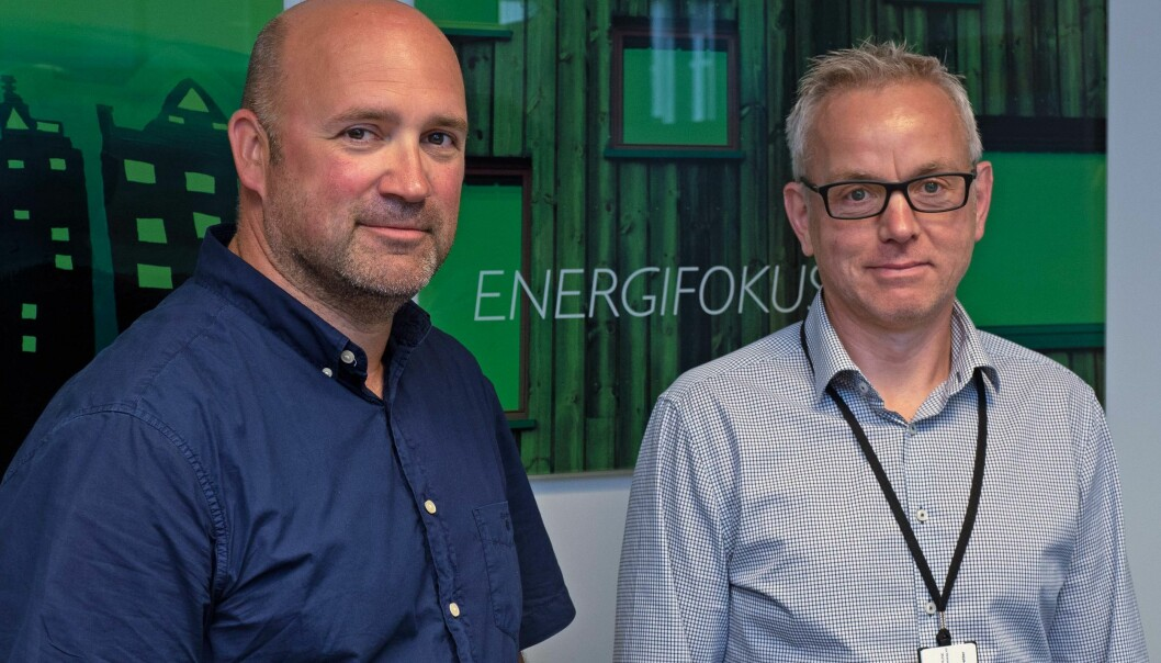 ENERGI: Leif Arne Andreassen (til venstre) og Falk Trautvetter i Sandnes Eiendomsselskap arbeider med nye energiløsninger for de kommunale eiendommene.