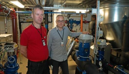SAMLET: På teknisk rom samles fjernvarmen fra avfallsforbrenningsanlegget og kjølingen fra fjorden.
