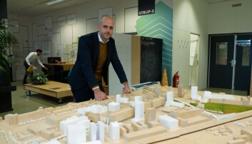 PHILIPS-FABRIKK: Tidligere var Strijp-S et kjempestort, lukket fabrikkområde og hovedkvarter for Philips, viser Thijs van Dieren.