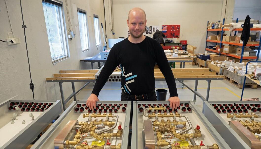 BESTEMMER: Du bestemmer selv hvor store skapene skal være og hvilke produkter som blir brukt i dem, forteller Geir Henning Apeland.