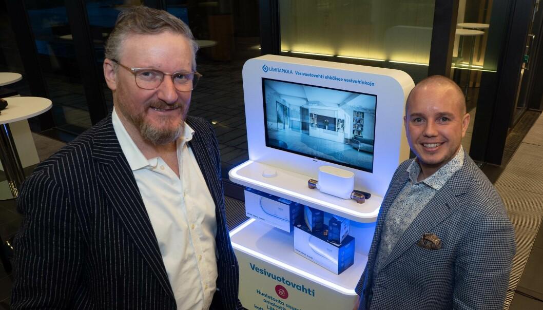 FOREBYGGER: Claus Kurt Nielsen (til venstre) og Pasi Korhonen tilbyr gratis vannstopper i finske eneboliger – og mener det er lønnsomt for både forsikringsselskapet, huseieren og rørleggeren.