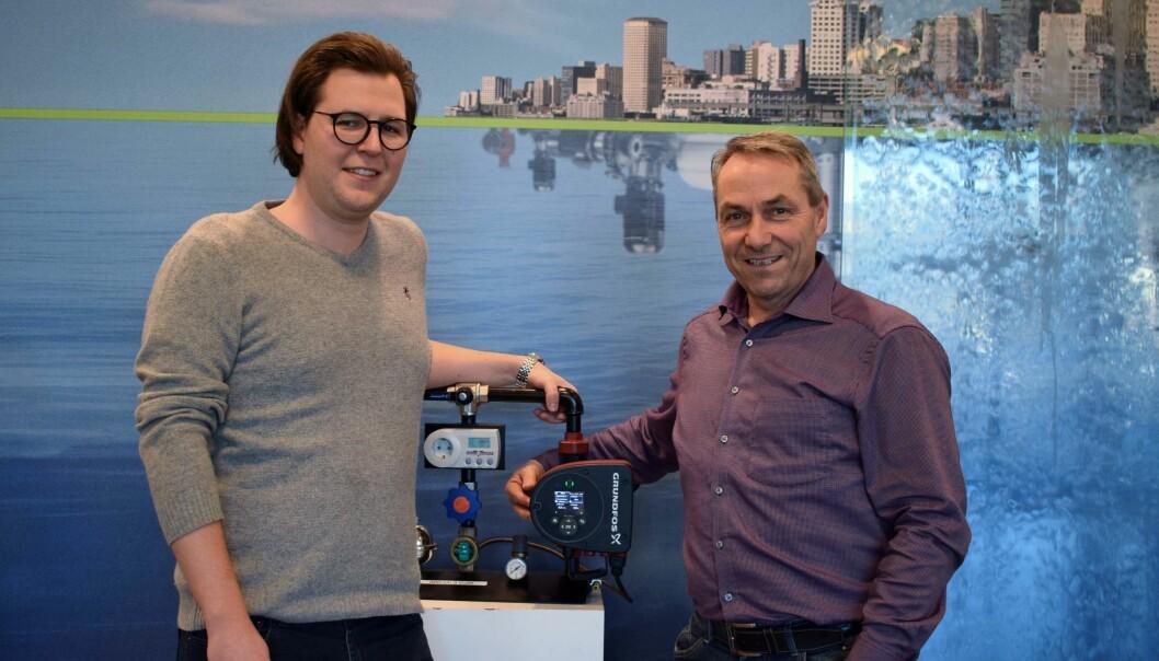 DOKUMENTERT: Mathias Clausen (til venstre) og John Ove Laksberg er fornøyde med å ha fått på plass bransjens første EPD på en sirkulasjonspumpe.
