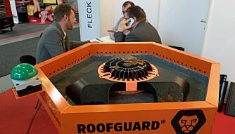 BRYTER DEMNINGEN: Roofguard er automatisk og patentert, men litt mindre digitalt enn mange av de andre nylanseeringene på Bautec.