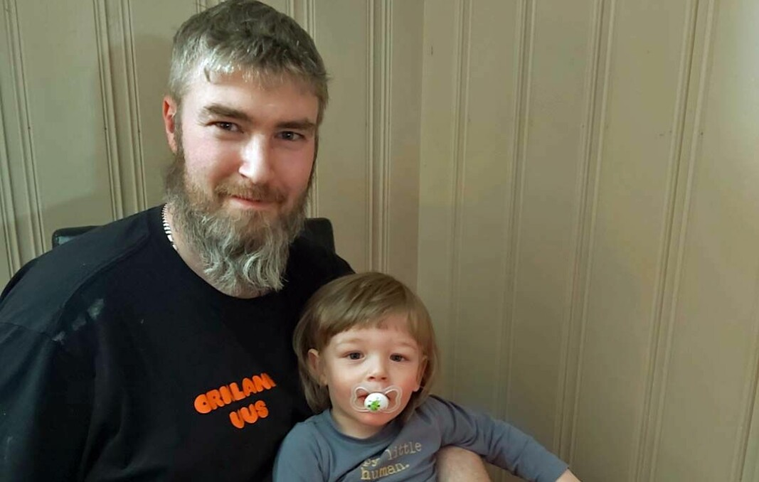 HJELP: Eik Eliser Sørli (1½) får være i barnehagen. Dermed kan Ivar Sørli fortsette å arbeide og ligger an til å berge bedriften.