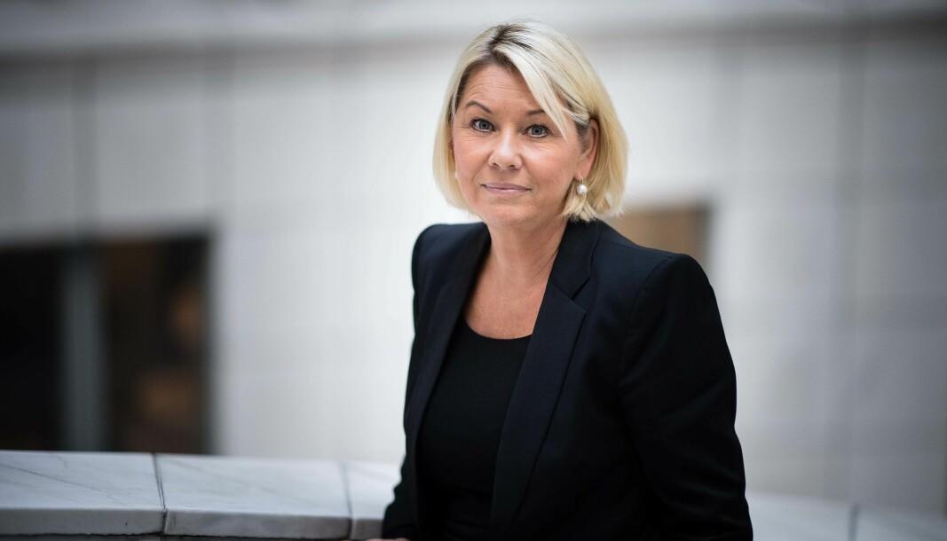 TRYGT: Monica Mæland sier klart ha til at det er trygt å bruke håndverkere nå, bare håndverkeren og kunden tar vanlige forholdsregler.
