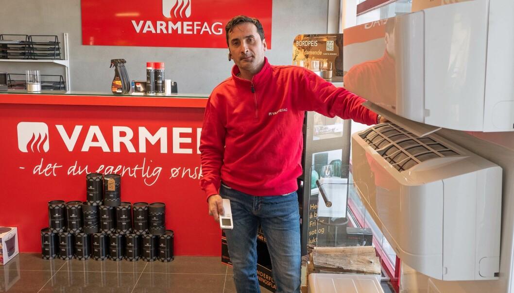 SMÅTT OG GODT: Varmepumpesalget er bitte lite, men det er lovlig – Varmefag Moss og Adam Forsethlund var den eneste av 11 bedrifter som selger varmepumper til forbruker, som ikke hadde avvik fra reglene.