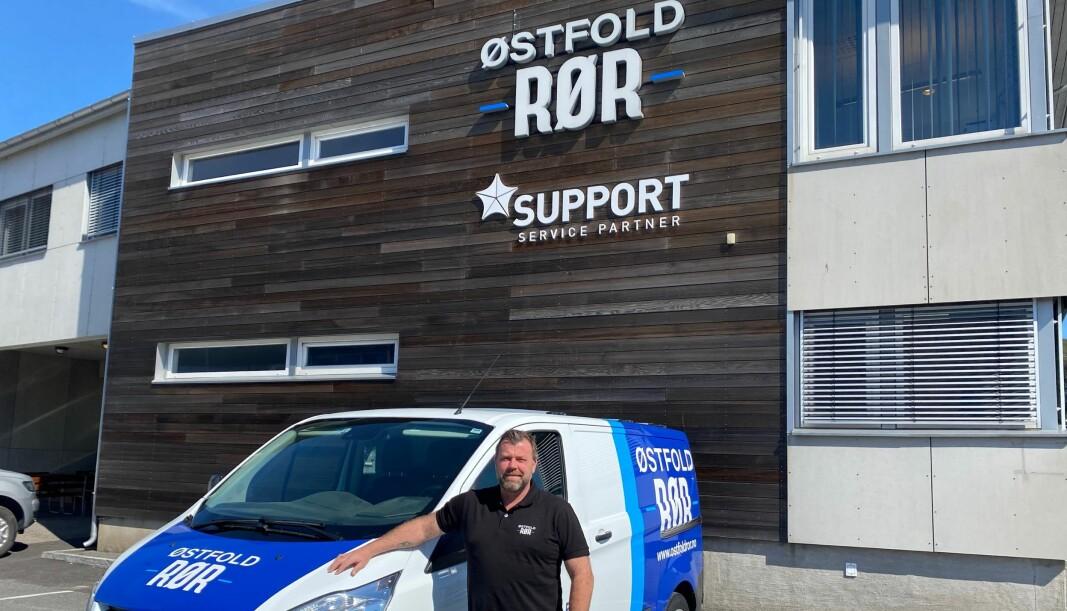 Thomas Myhre (44) har jobbet som rørlegger i seksten år hvor han har vært seks av disse årene hos Østfold Rør.