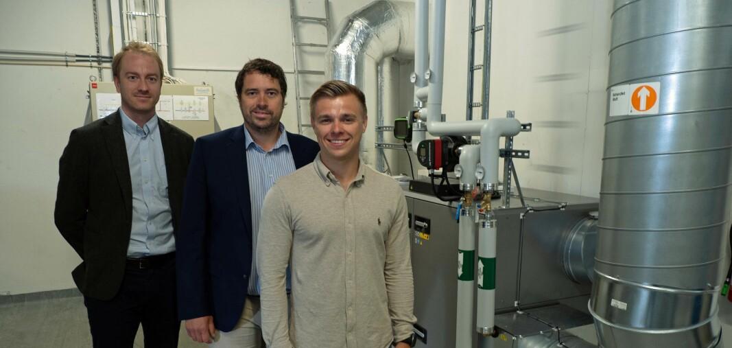 SPARTE: Energirådgiverne Hans-Gunnar Grepperud i Energima Analyse (fra venstre), Andreas Borgen i Energima Varme og Kenneth Kristiansen i Energima har blant annet sørget for nytt ventilasjonsanlegg for kontorbygget som Maskegruppen leier