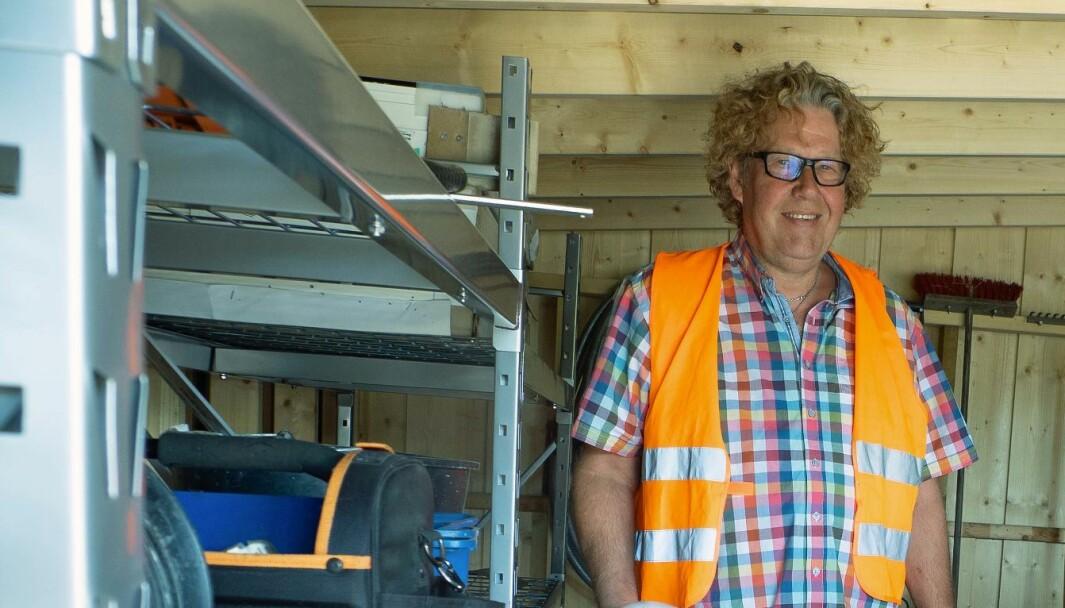 KONTROLL: Jesper Degn-Petersen og Bie Sprinkler prosjekterer og kontrollerer sprinkleranlegg.
