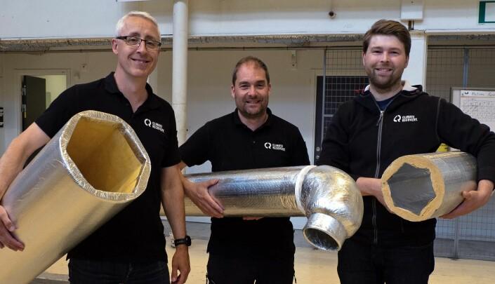 TENKER NYTT: De bruker resirkulert glass i stedet for nytt metall i kanalene – fra venstre André Bouyer, Joakim Johansson og Andreas Wallin.