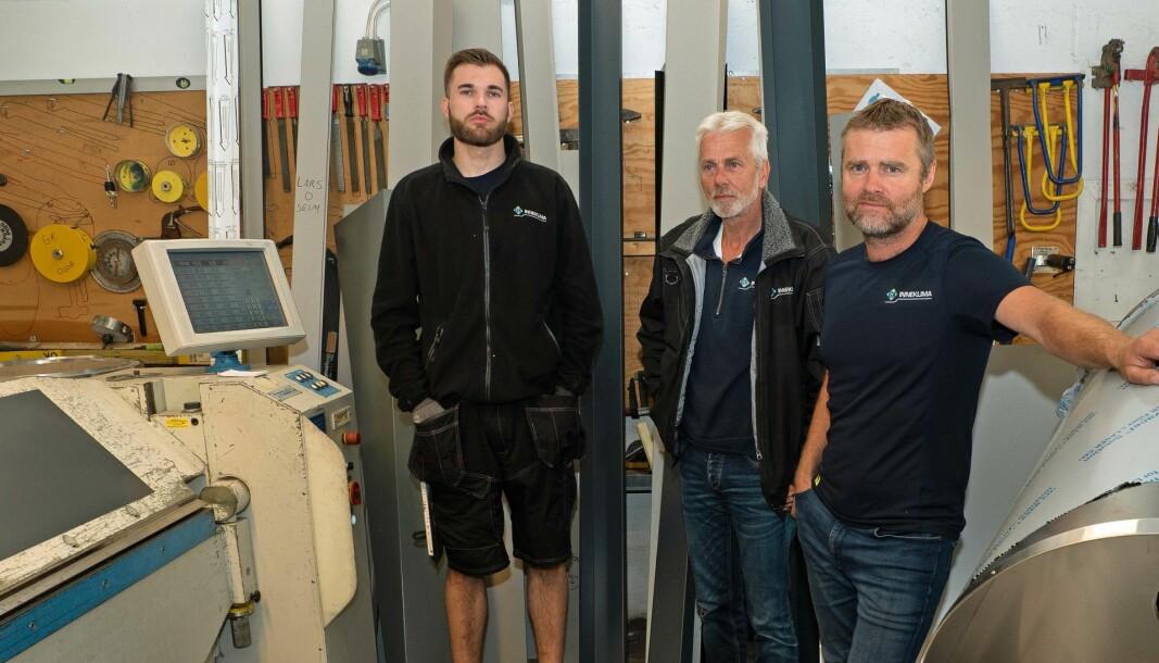 VERKSTED: Verkstedet er et godt bidrag til at GK i Odda har flere ben å stå på – fra venstre Ernst Marius Hetland, Rune Hetland og Tor Eivind Osmo.