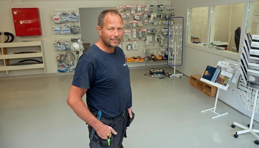 ROMSLIG: Olav Tellebon er nyinnflyttet i større lokaler.