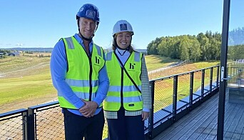 FERDIGSTILLING: Prosjektleder Henrik Sakshaug og Martine Singsaas Frøseth på omvisning av hotellet. Miklagard hotell er fortsatt under ferdigstilling, men står klart i oktober.