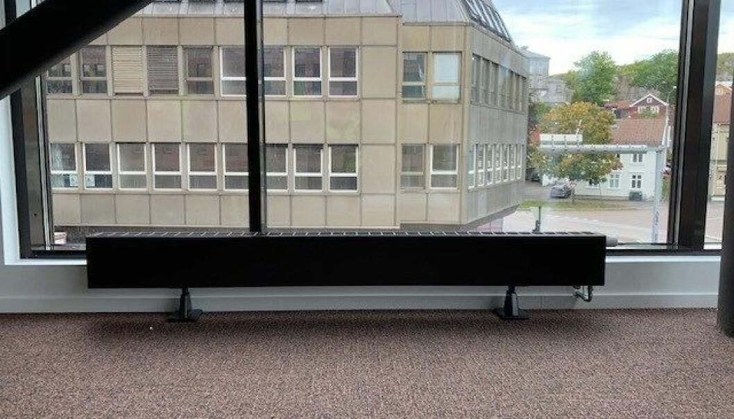 Det er stadig økt etterspørsel etter radiatorer som glir inn i miljøet. Planar Plinth D kan leveres i mange forskjellige farger og størrelser.