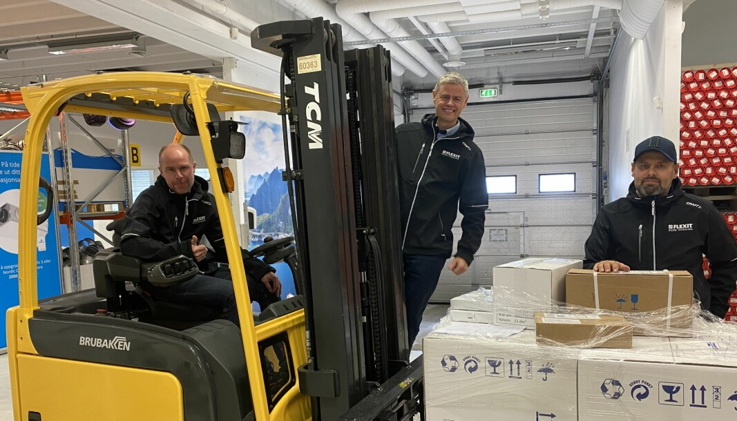 F.v. Trond Frotjold, Espen Karlsen og Jarle Skage er rigget og klare for åpning av nytt lager.