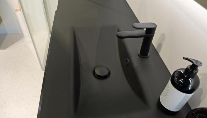 SPEILSILIKON: Til glasservanter må du bruke speilsilikon