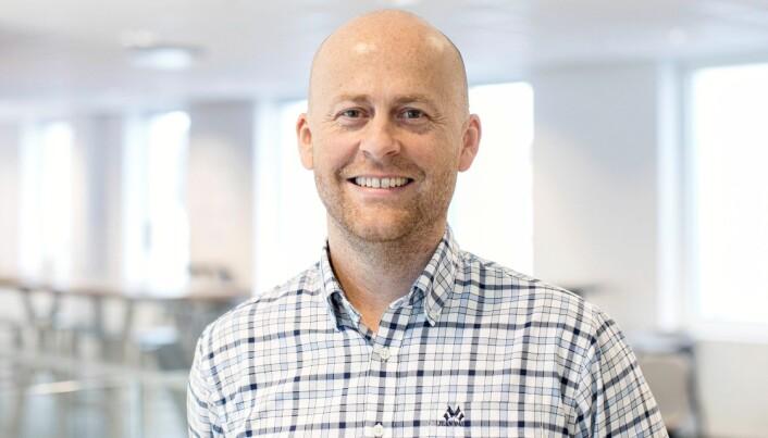 BÆREKRAFTIG: Senioringeniør og VVS-spesialist hos Sweco, Dan Vegard Vårdal, forteller at Holen skole blir en av de mest bærekraftige skolebyggene i landet.