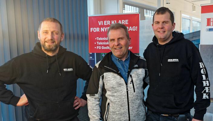 FORNØYDE: Geir Smiseth (fra venstre), Steinar Holbæk og André Holbæk i Holbæk Rør er fornøyde med å ha gått ut av Comfort.