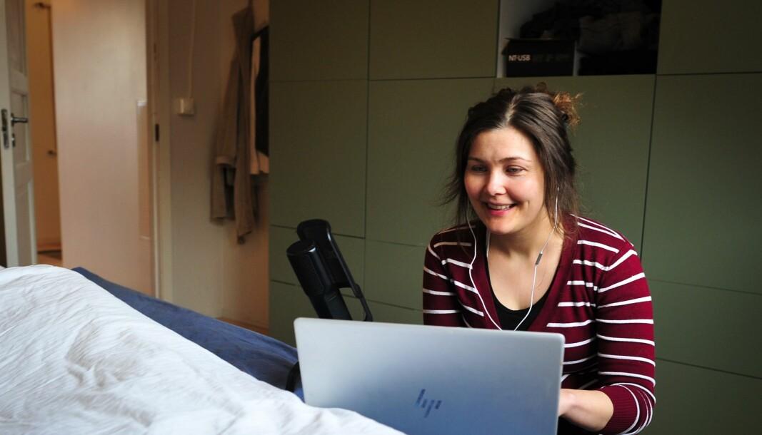 STUDIO PÅ SOVEROMMET: – På grunn av korona har jeg ikke kunnet gjøre dette i studioet på skolen, forteller høgskolelektor og podcaster, Anne Sofie Handal Bjelland.