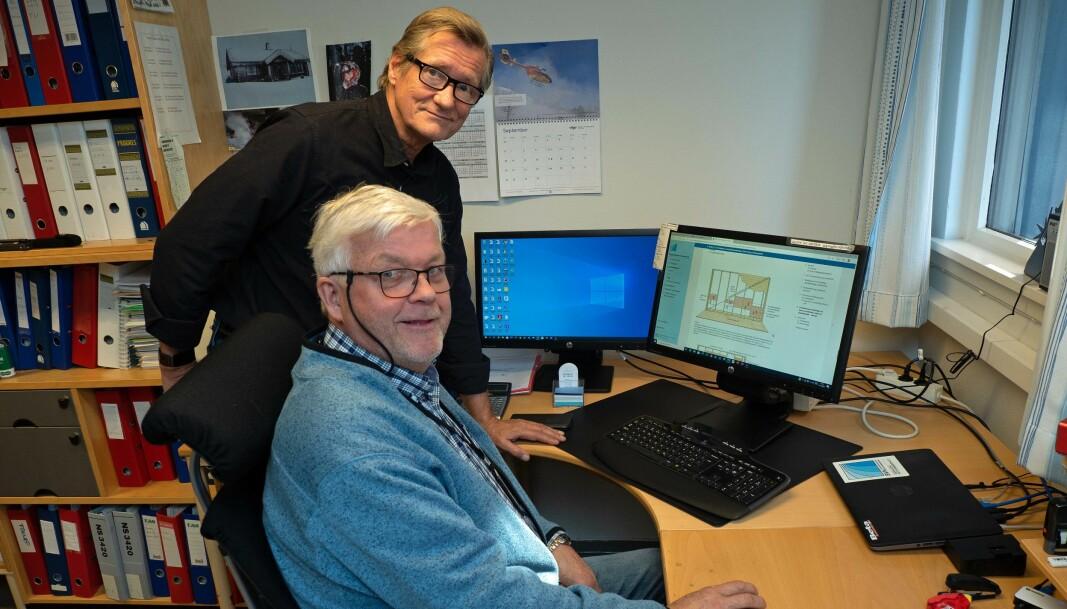 BRUKES: Bruken av våtromsnormen øker kraftig, forteller Cato Ove Karlsen (foran) og Bjørn Grimsrud.