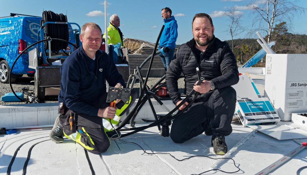 SAMARBEIDER: Armaturjonsson tente på tanken umiddelbart – Marius Ellefsen (til høyre) forteller at han allerede kan selge utstyret som Asbjørn Rugnes har tatt i bruk.