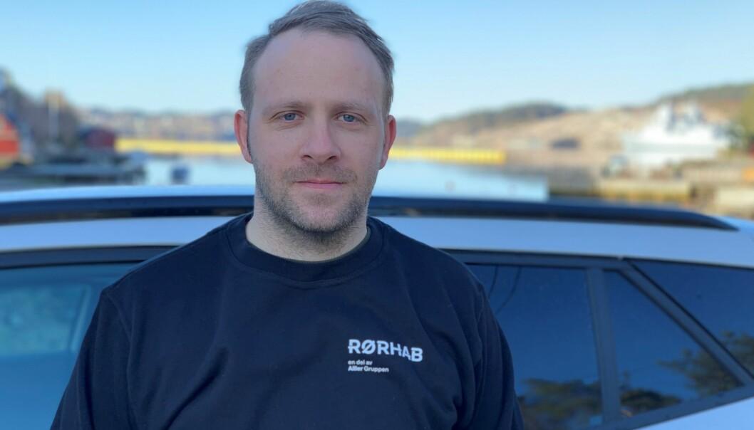 GRUNDIG INSPEKSJON: Daglig leder i Rørhab Bergen, Henning Sæterdal-Walle, forteller at de alltid gjør grundige inspeksjoner før de går i gang med rørfonying.
