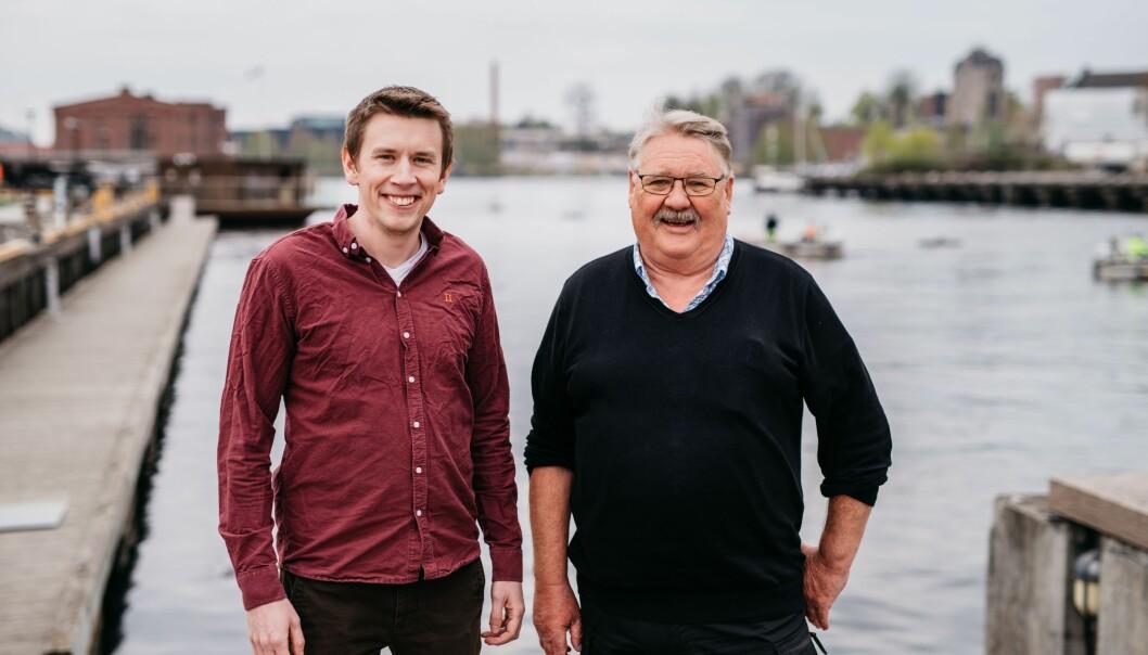 KLAR FOR ANDRE RUNDE: Prosjektleder hos Skien kommune, Hans-Petter Heimholt (t.h) er klar for andre runde med energibesparelser. I første runde fikk han hjelp av Caverion og energiingeniør hos Caverion, Mikkel Ytterhus.