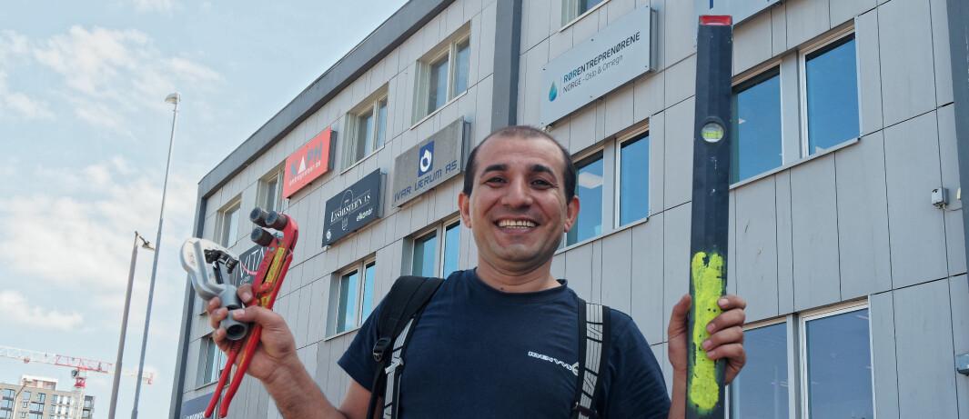 Etterlyste læreplass i Rørfag – nå har Bilal tatt svennebrev