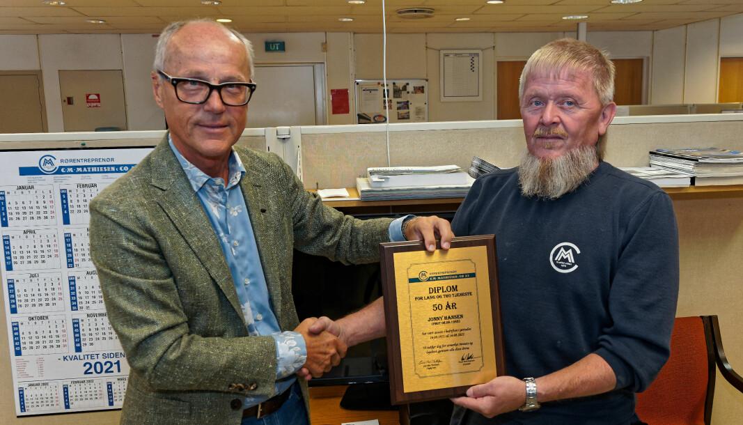 SUPERVETERAN: Jonny Hansen fikk godord av sjefen. Geir Flan Thollefsen, på sin side, har «bare» vært hos C. M. Mathiesen siden 2002.
