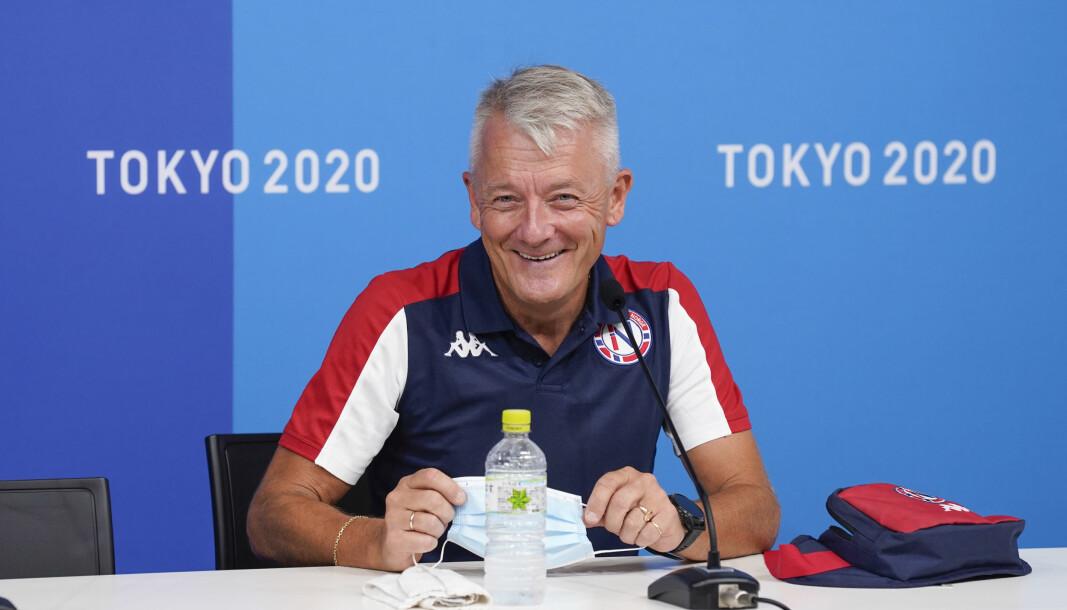 ÅRETS HEADLINER: Gjert Ingebrigtsen under pressekonferansen på Olympic Village i Tokyo. I desember åpner han Driftskonferansen.