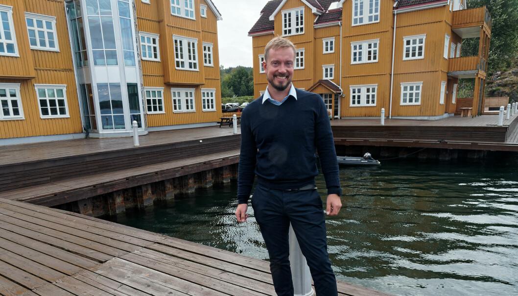 TØRT FRA VANNKANTEN: Ole Petter Jahren leder Munters i Norge fra vannkanten på Nøtterøy.