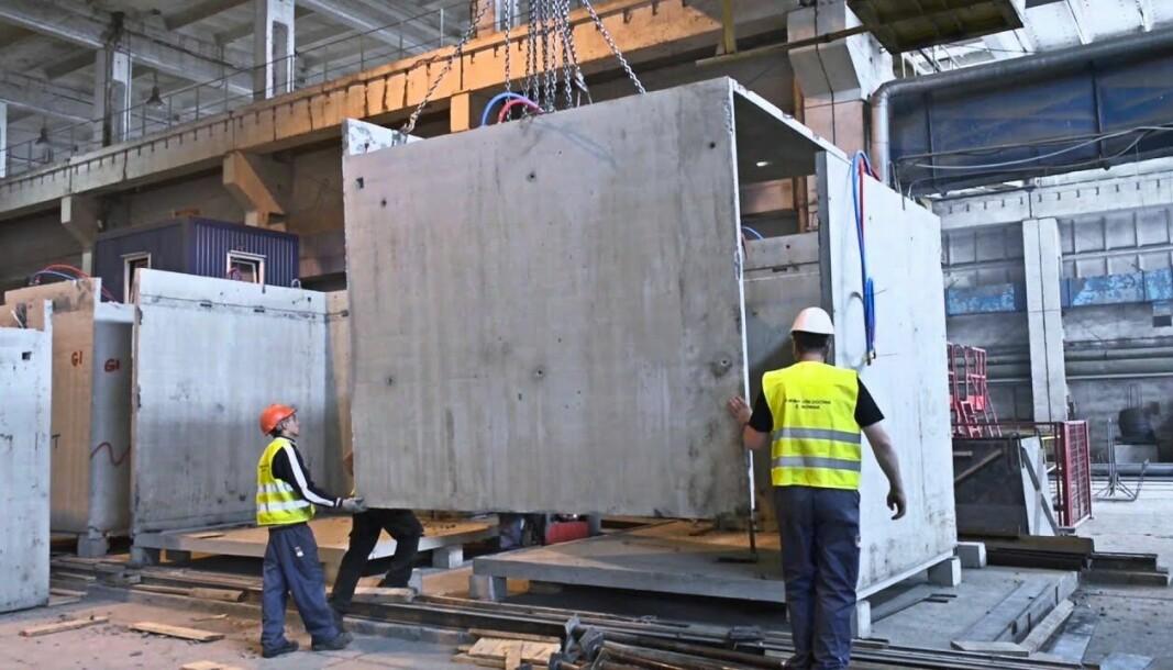ØNSKET: - Vi har fått positiv respons på betongkabinene, ikke minst fordi kabinene våre kan brukes direkte ut mot tilstøtende rom, sier Badelement-sjef Bjørn Width.